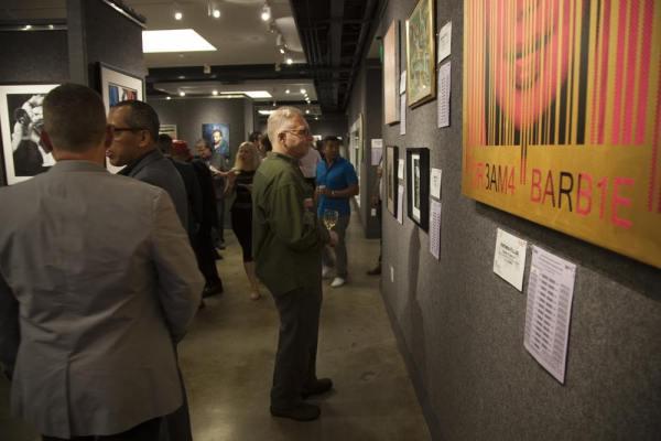 Jennifer  Art auction  apla auction